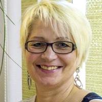 Christine Heitzinger Sugaring Trainerin